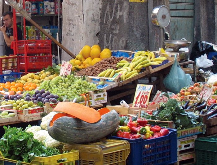 italy_naples_fruit_veg_market